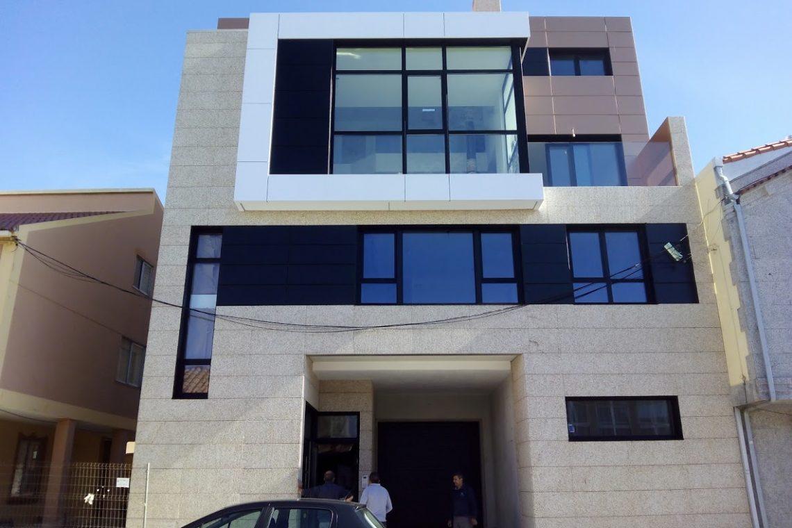 Carpinter a exterior de aluminio cortizo y panel composite - Carpinteria exterior ...