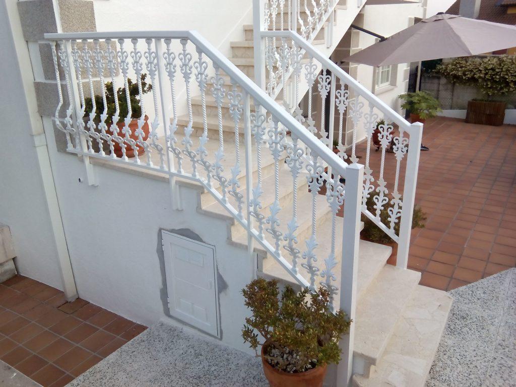Balcón-con-barrote-modelo-Tulipan-1024×768